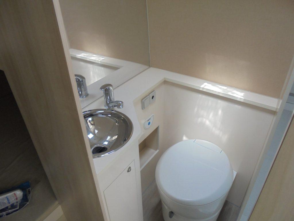 PEUGEOT BOXER Junho WC sanitário