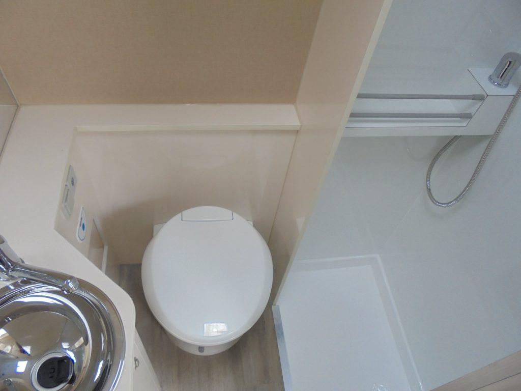 PEUGEOT BOXER Junho WC sanitario + chuveiro
