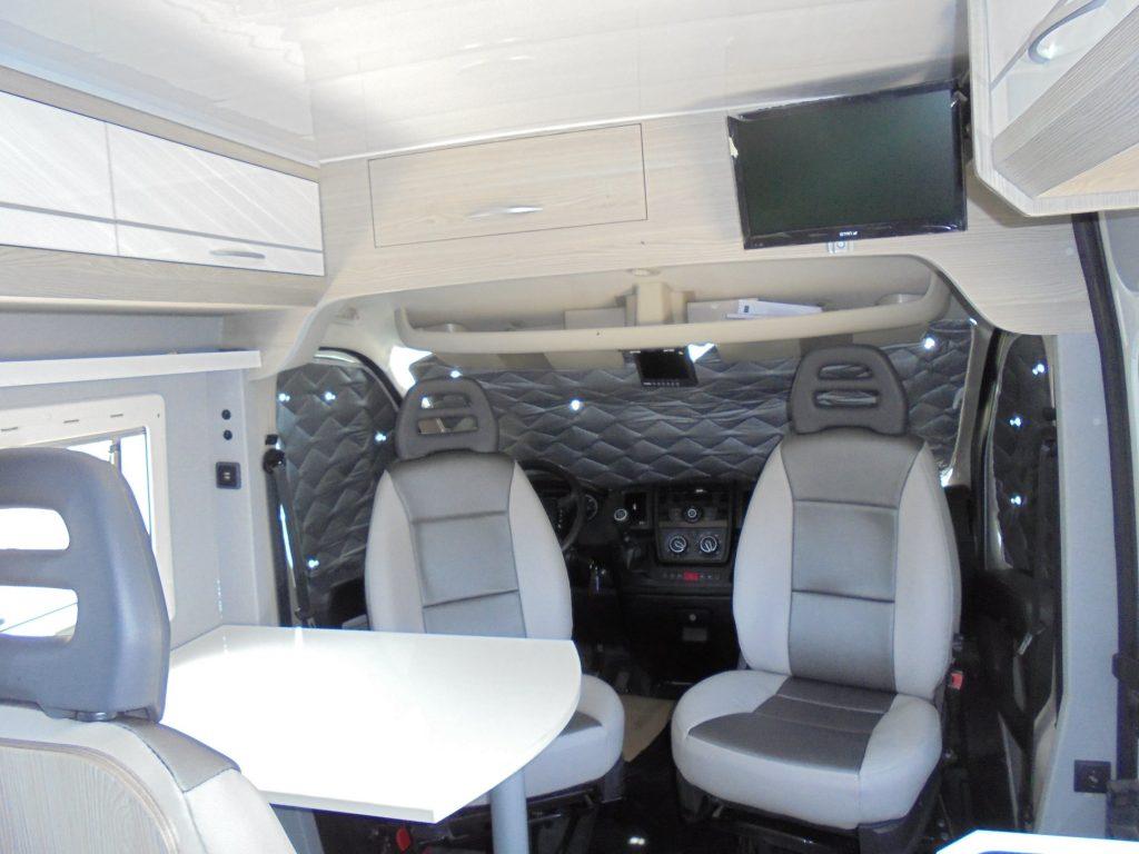 PEUGEOT BOXER Maio Cockpit com proteções solares
