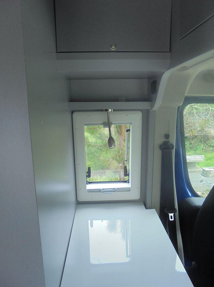 Peugeot Boxer L1 H2 Interior Cozinha Iluminaria Mesa
