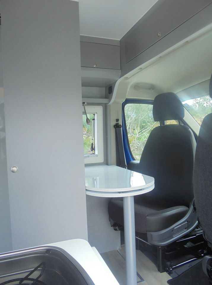 Peugeot Boxer L1 H2 Interior Cozinha Mesa