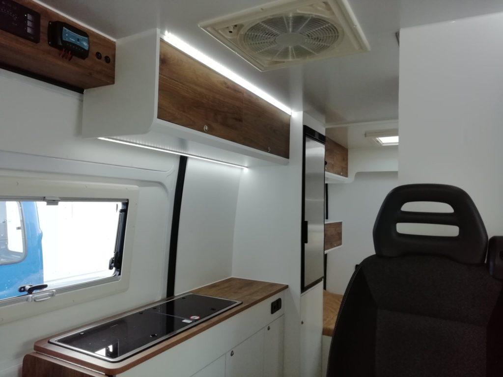 Fiat Ducato 3-2020 cozinha Moveis superiores