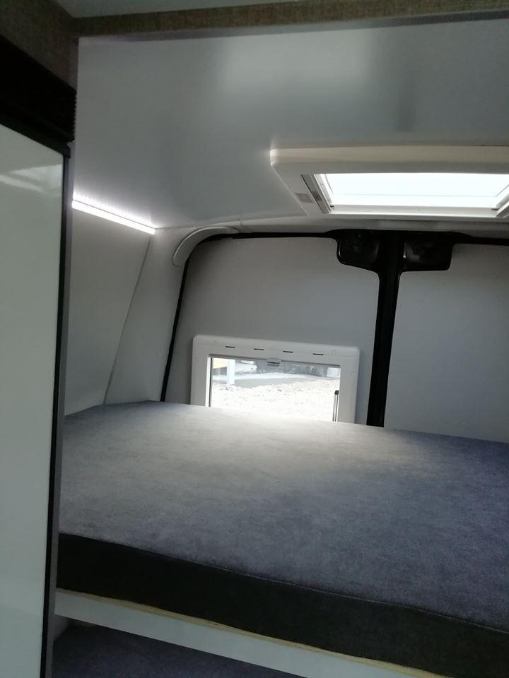 RENAULT MASTER Cama Superior + janela