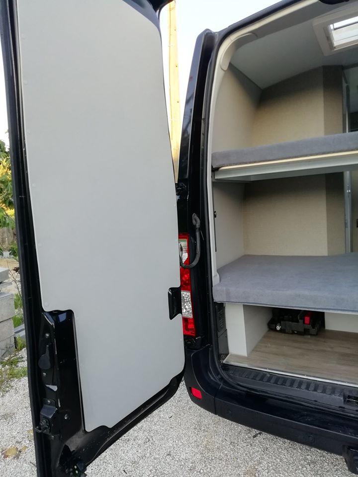 RENAULT MASTER Traseira Promenor Porta