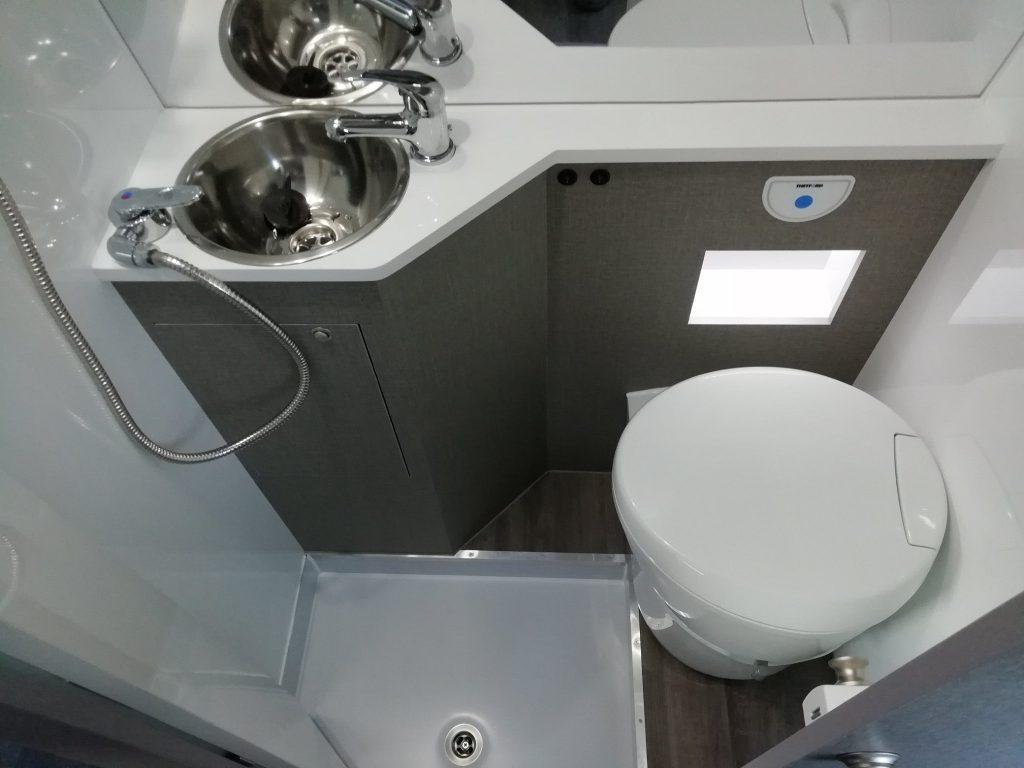 RENAULT MASTER WC sanitario