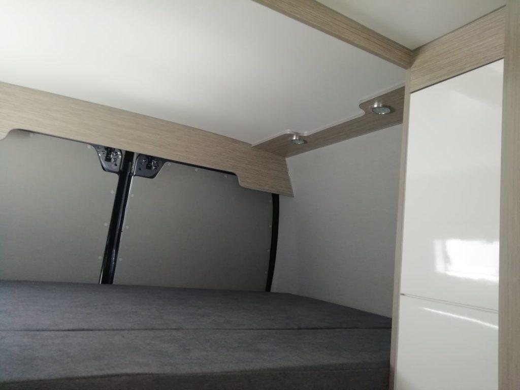 Citroen Jumper L4H3_ Quarto Cama Superior iluminarias