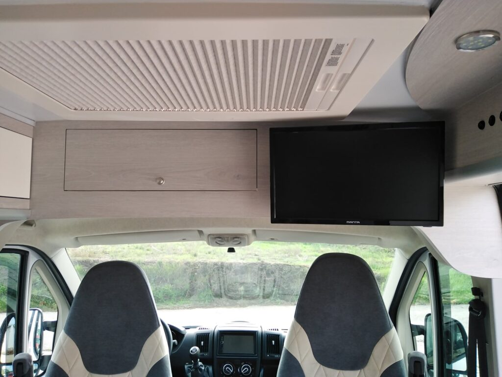 Fiat Ducato Set2020 Movel Superior + TV