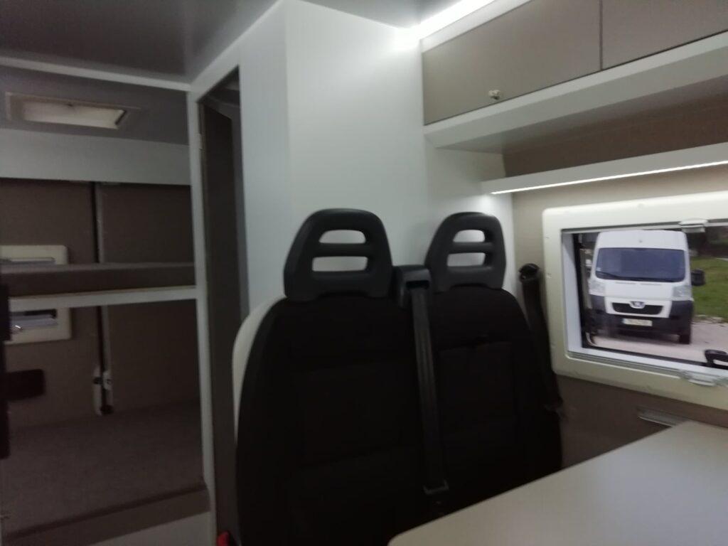 Peugeot Boxer 11-2020 Interior