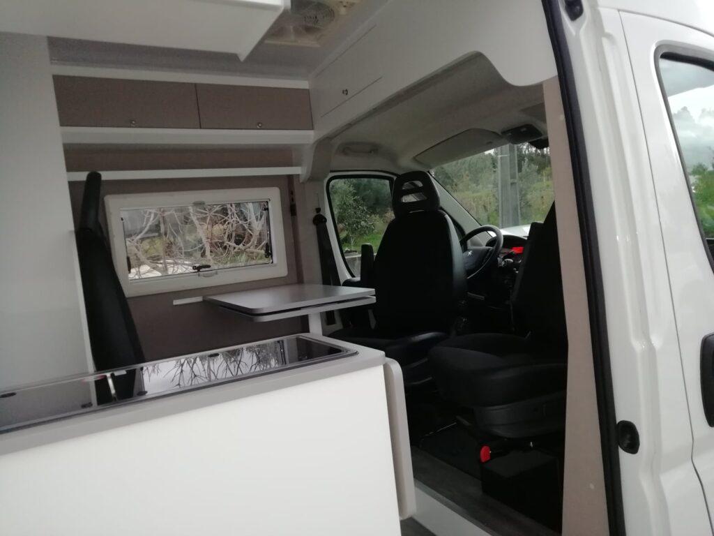 Peugeot Boxer 11-2020 Vista interior Cockpit