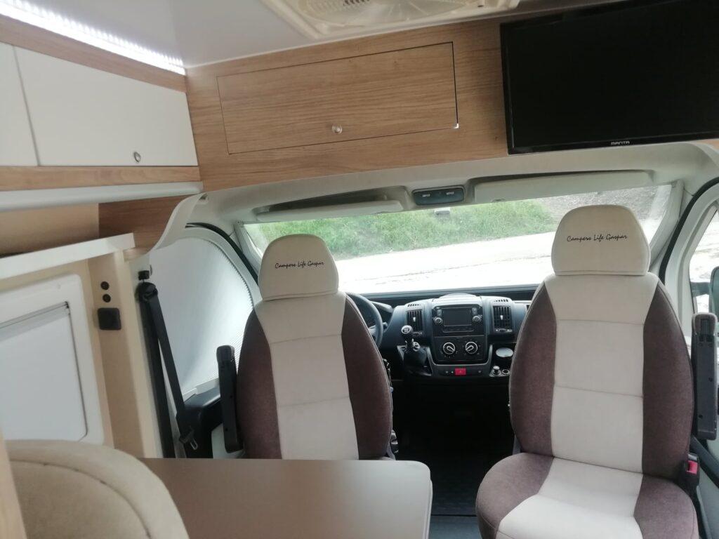 Peugeot Boxer L2H2 Cockpit