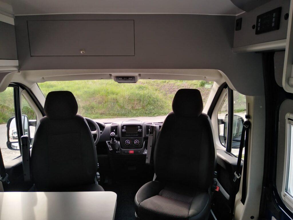 Peugeot Boxer Azul Cockpit