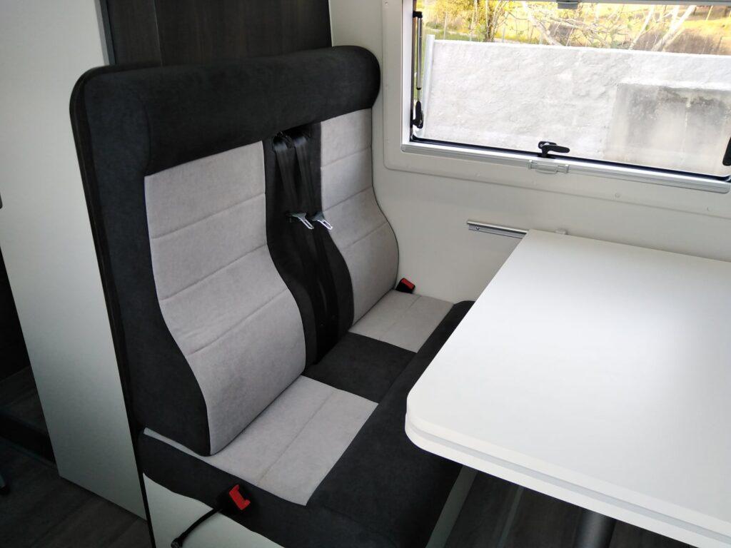 VW Crafter Zona refeições - banco + mesa